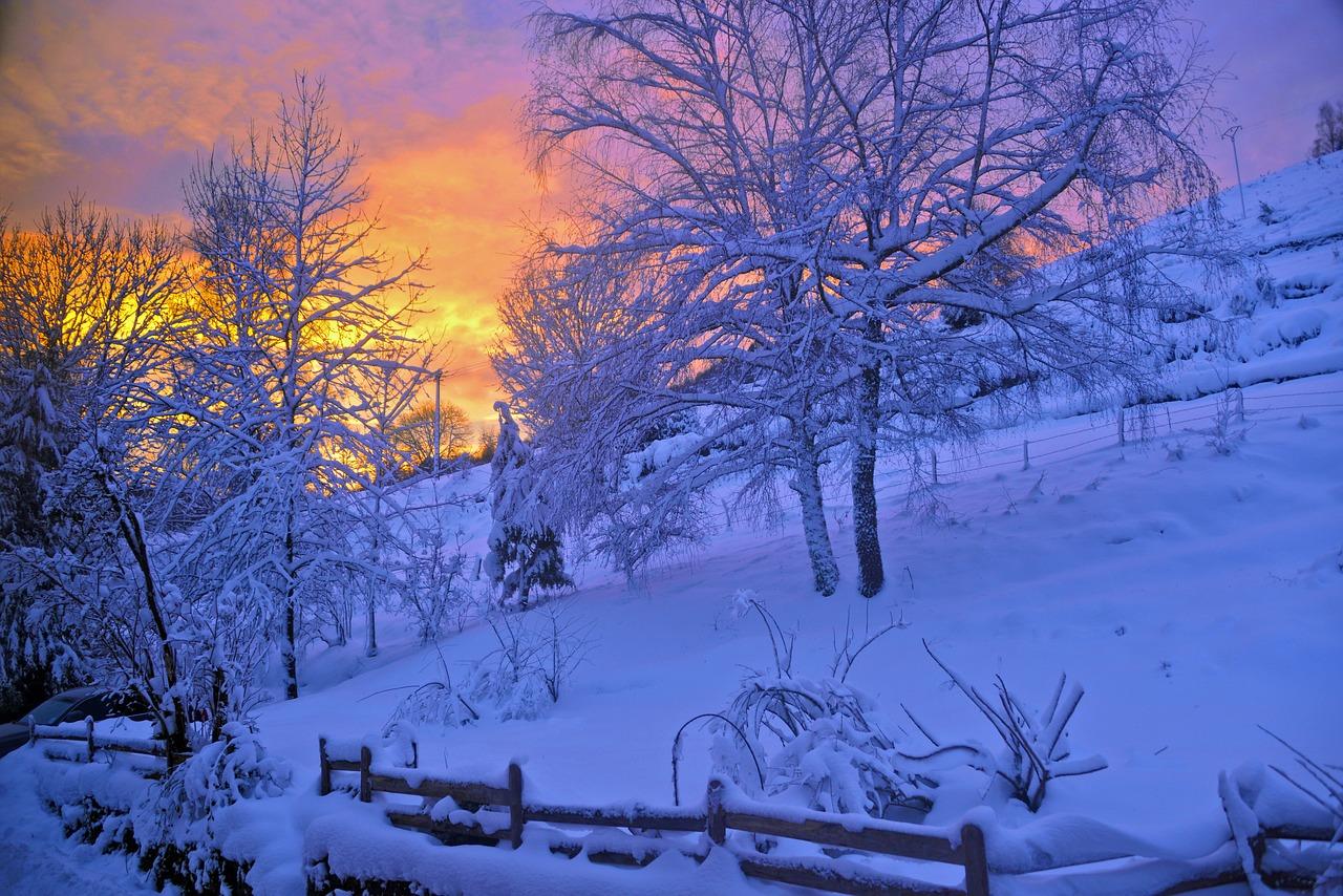 Coucher de soleil enneigé sur les Vosges