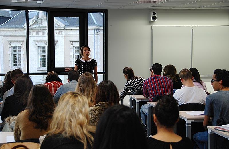 IES Sainte-Marie | Premier cours dans les nouveaux locaux (3 novembre 2014)