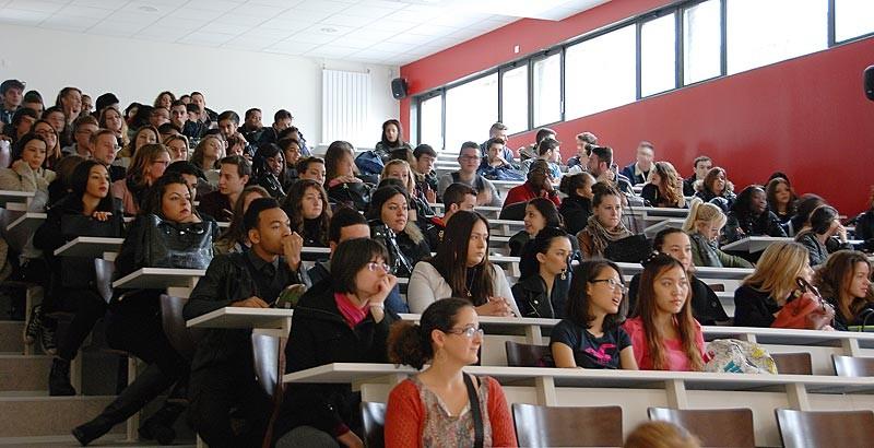 IES Sainte-Marie | les étudiants en salle de conférence (3 novembre 2014)