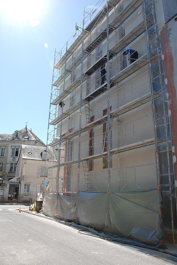 IES Sainte-Marie | Réalisation des crépis extérieurs (vue de la rue Carolus)