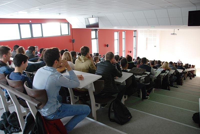 IES Sainte-Marie | La salle de conférence (250 places)
