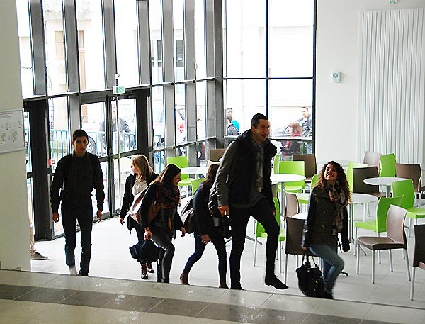 IES Sainte-Marie | arrivée des étudiants (lundi 3 novembre 2014)