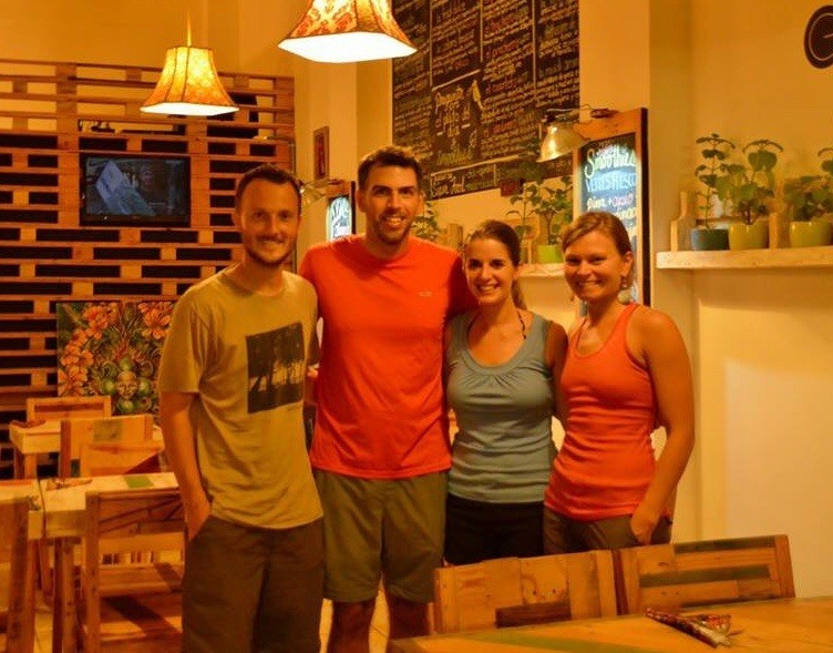 We met up with Jen & Matt, two Marshwood Hawks living in Costa Rica. They have written two awesome guidebooks for this country. Check out their website: www.twoweeksincostarica.com!