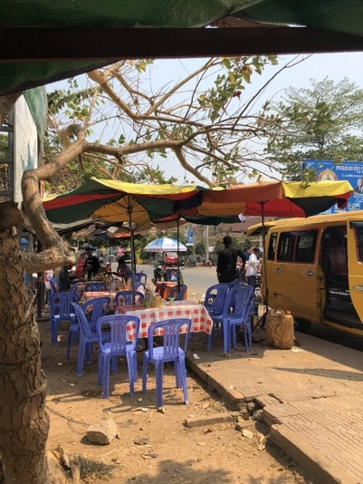 Street restaurants in Cambodia almost at the border to Laos