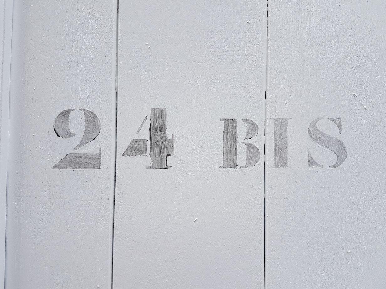 24 BIS
