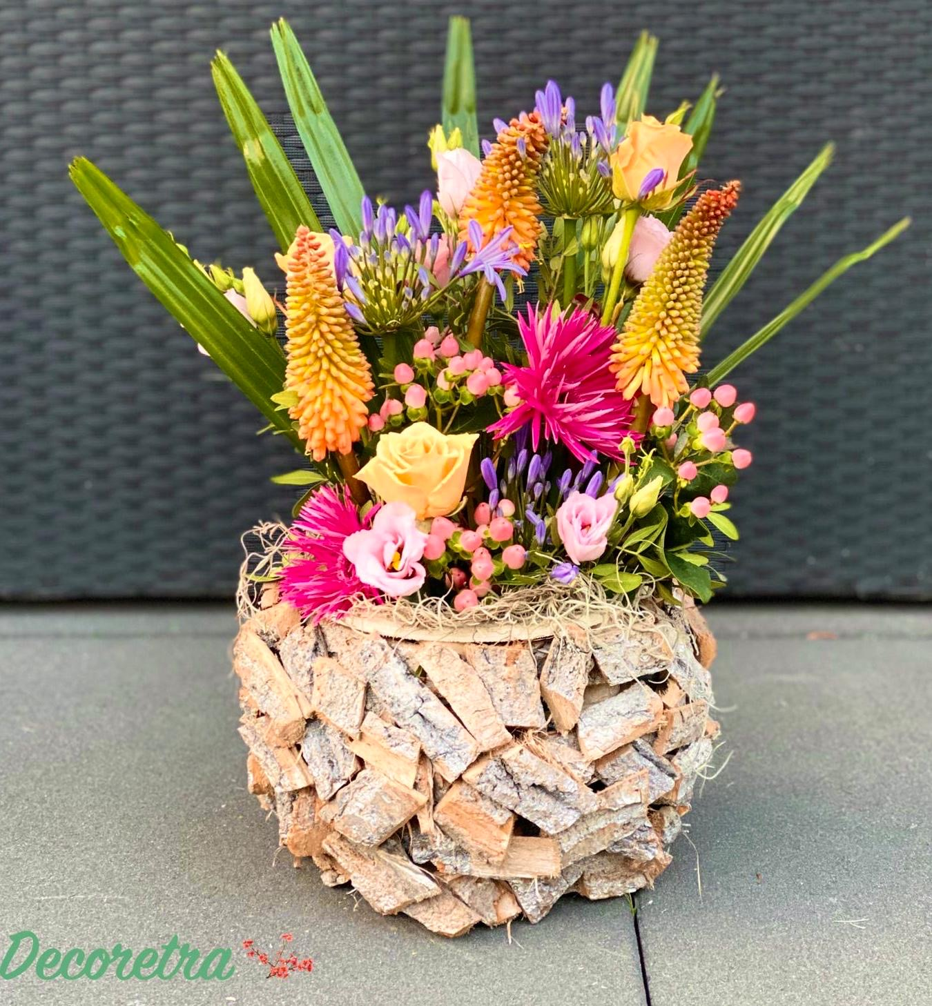 Arrangement in pot