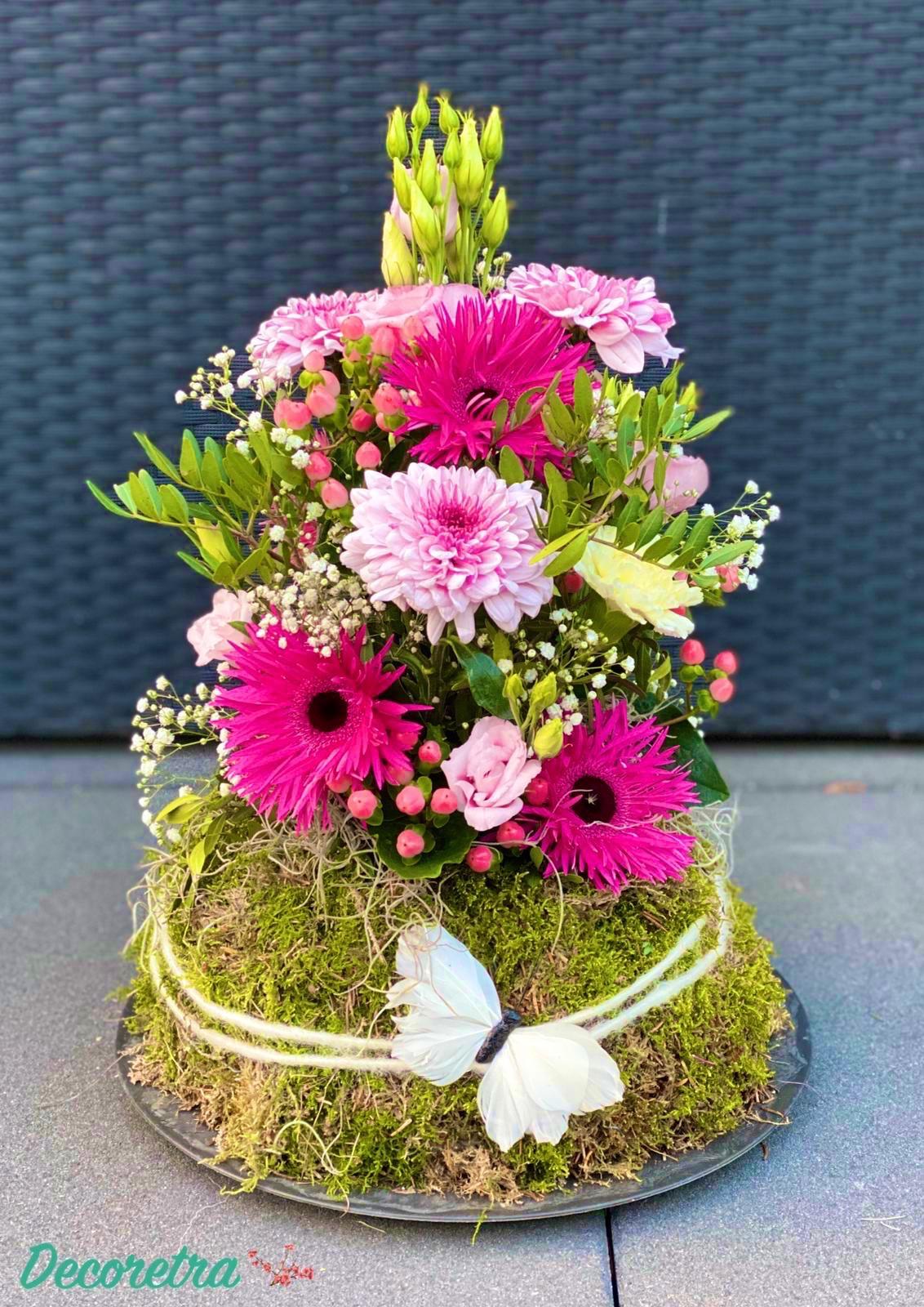 Roze bloemenpiramide