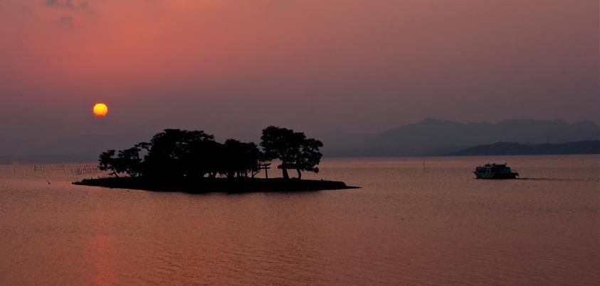 宍道湖、神々の黄昏、小泉八雲の世界・・・  Photo:齋藤直樹