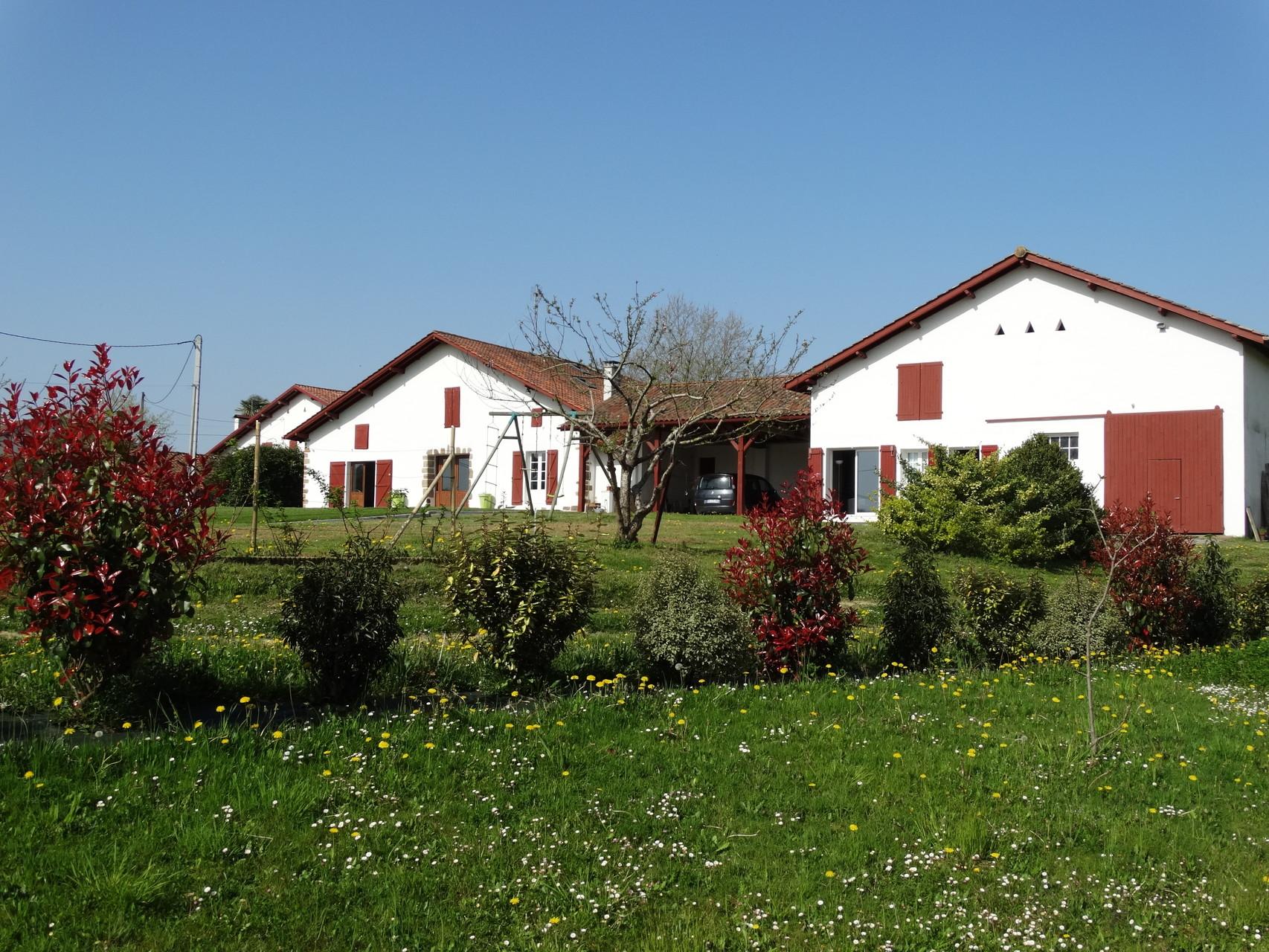 Maison et Gites Iribarnia