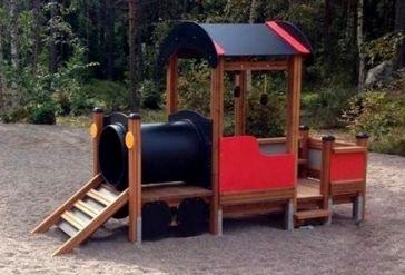 Spielhaus Lokomotive mit Anhänger