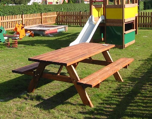Für Picknick etc.: Bank und Tisch aus Lärchenholz