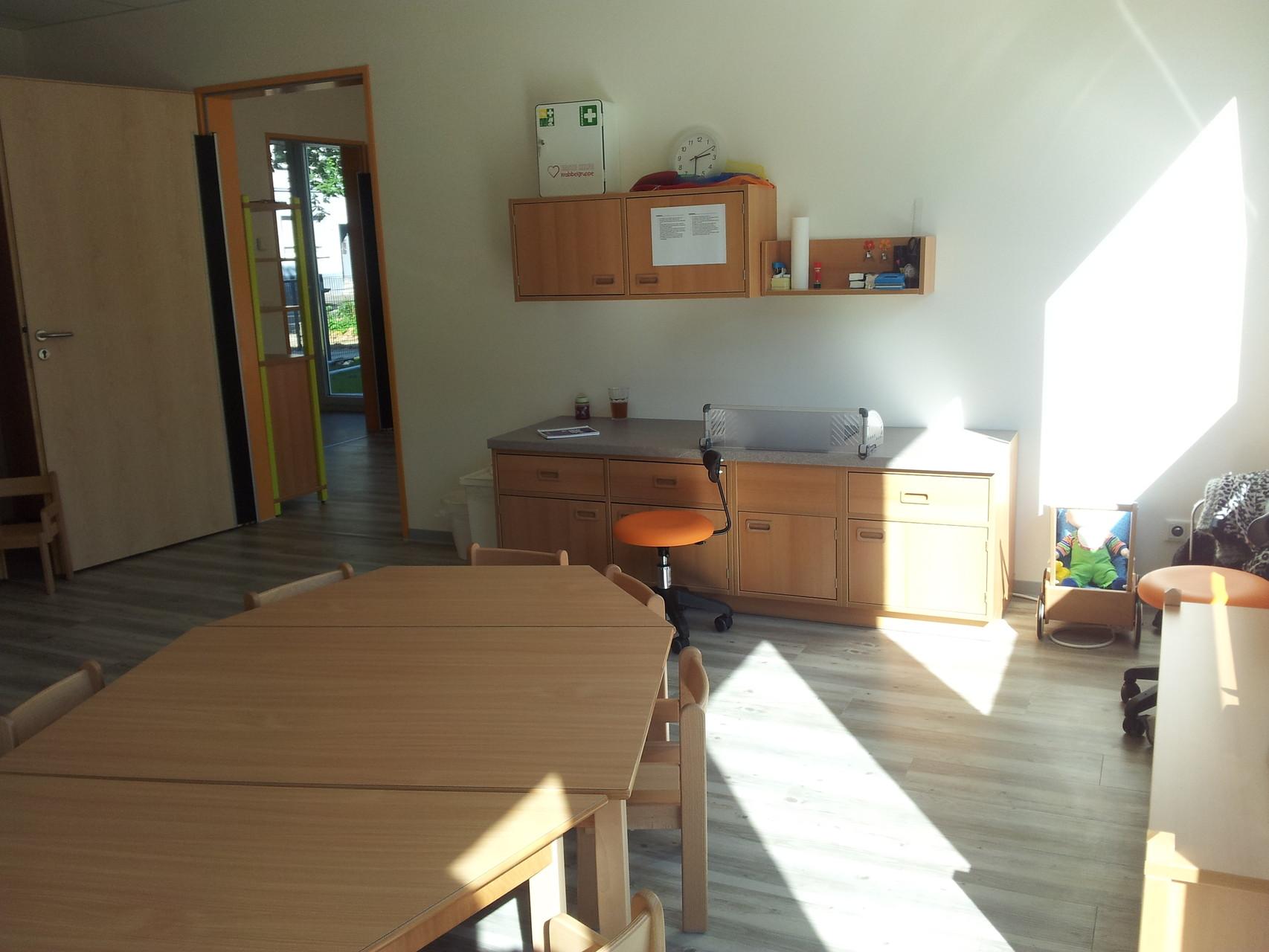 U3-Küche mit Ceranfeld