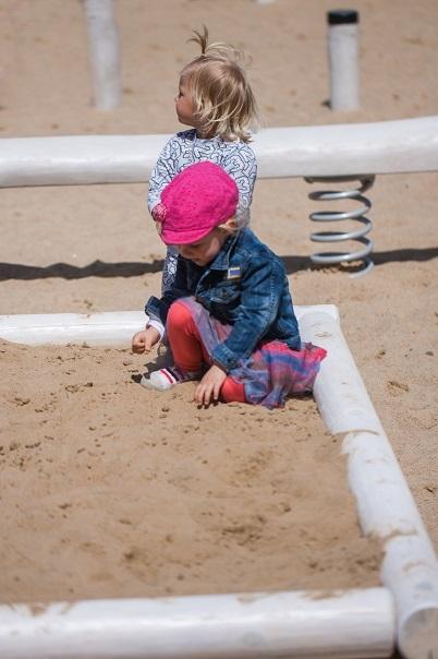 Sandkästen aus Robinienholz, auch in weiß