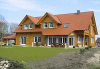 Anspruchsvolle Blockhaus  mit Gauben und Erker - Architektur auch für echte Individualisten