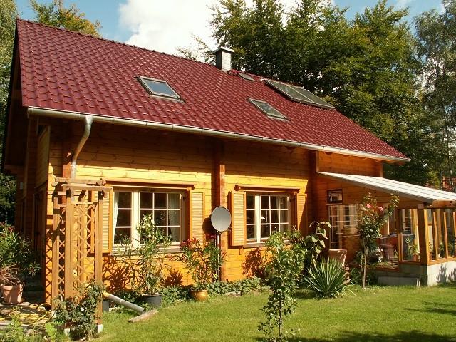 Blockhaus als Wohnhaus - © Blockhaus Profi