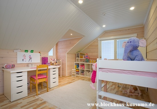 Kinderzimmer  im familienfreundlichen Blockhaus