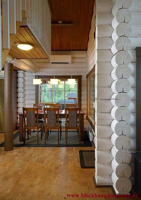 Holzhaus in Blockbauweise  - Innenräume in Weiß
