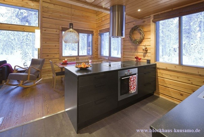 Wohnküche im Blockhaus - Blockhäuser, Holzhaus, Licht, Beleuchtung, Design, Wohnhaus, Lichtplanung, Lichtdesign