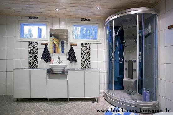 Exklusives Bad in einem Wohnhaus in massiver Blockbauweise