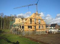 Das Errichten des Dachstuhles vom Blockhaus