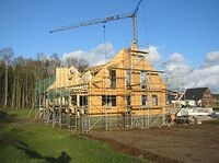 Blockhaus bauen - Baustelle  - Das Errichten des Dachstuhles vom Blockhaus