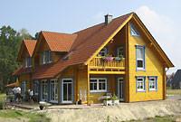 Wohnblockhaus - Holzhaus in Blockbauweise - Bezugsfertiges Blockhaus mit Einliegerwohnung