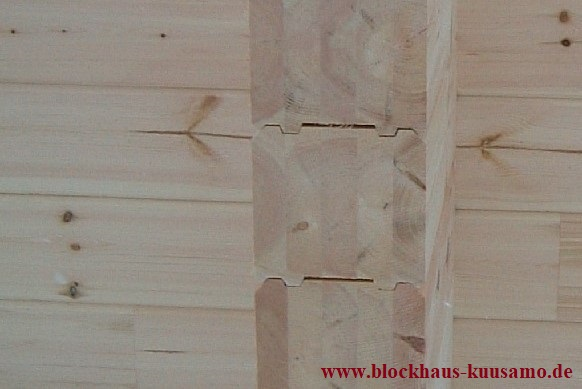 Blockhaus - Wandkonstruktion in massiver Blockbauweise - Polarholz - Polarkiefer - Lappland - Finnland