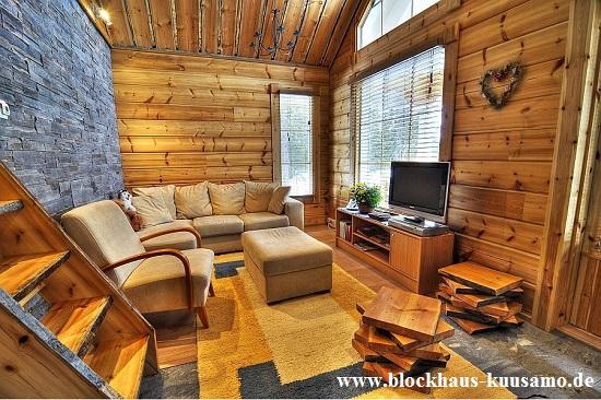 Blockhaus nach rustikaler Art - Holz, Wohnhaus, Einfamilienhaus, Eigenheim, PEFC, Holzhaus in Blockbauweise, Holz