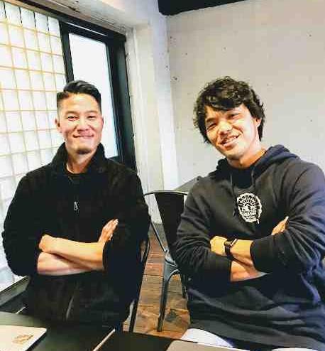 左は広報を担当する三浦宗一郎さん、右が橋本茂人さん