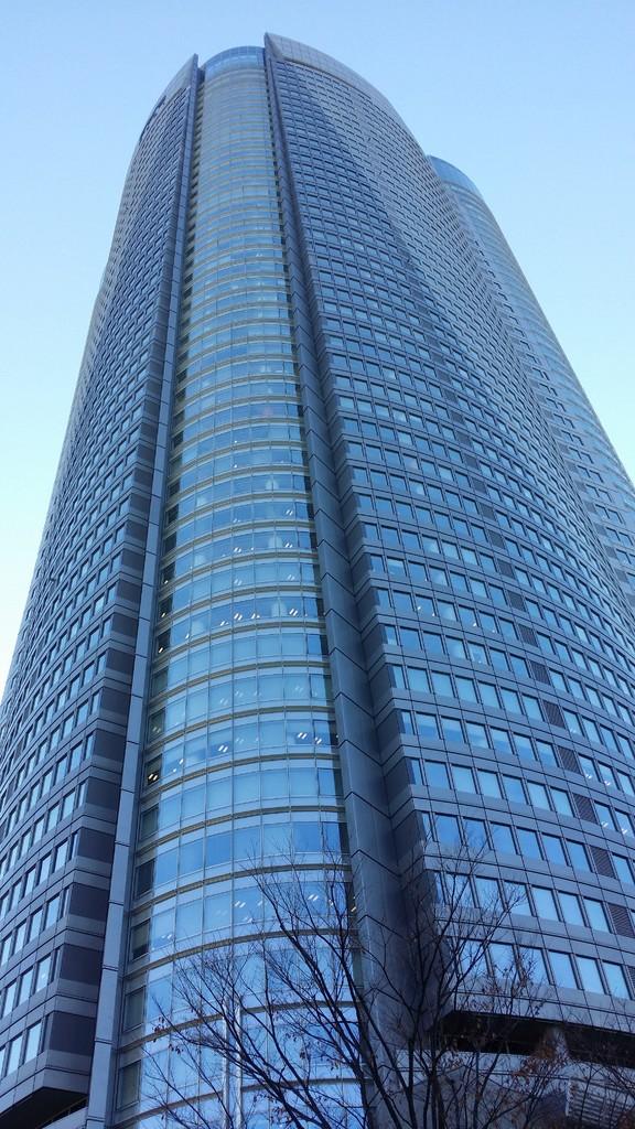 目の前のビルが、六本木ヒルズ森タワーです