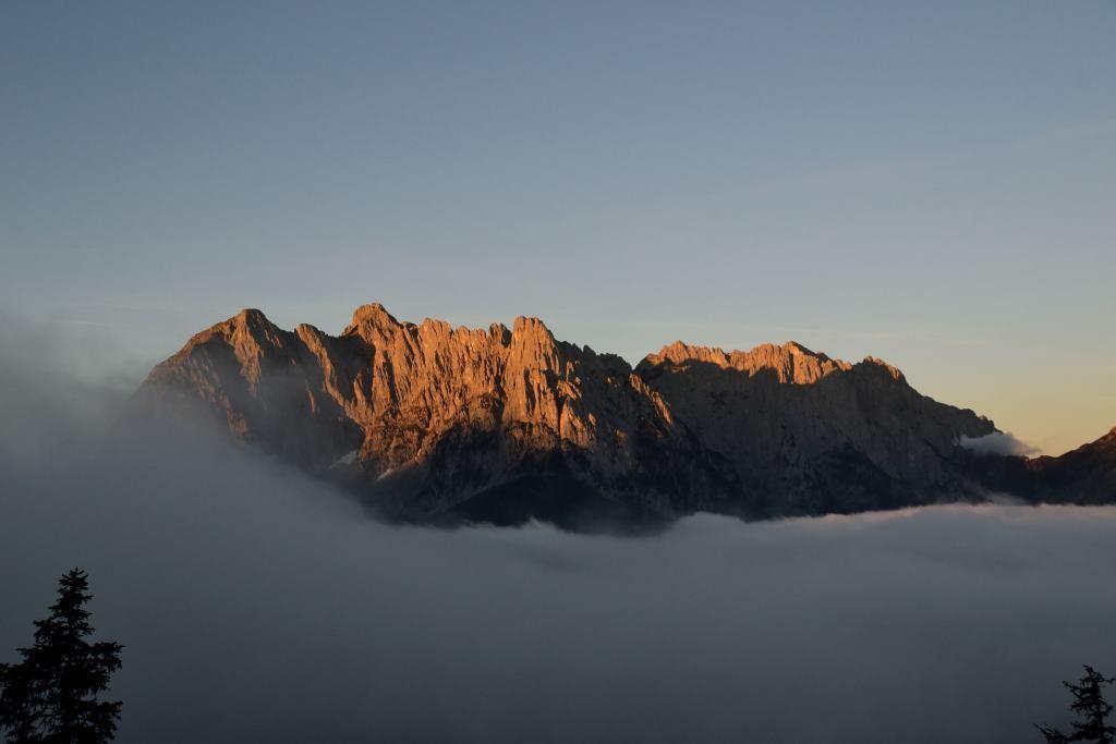 Ausblick auf das Kaisergebirge von unserer Alm