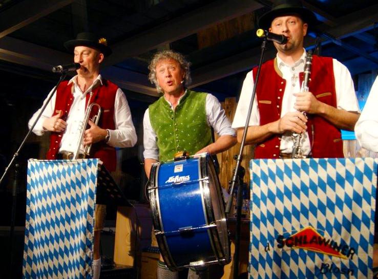 Boarische LATE NIGHT SHOW mit Adrian von Saxndi