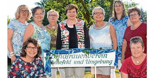 Die Vorstandsmitglieder (v.l.) Ute Löding, Angela Wolfsteller, Marlies Mau-Hansen, Christa Lintelow, Gunhild Göttsche, Anke Graf, Anja Struve, Elke Pattige und Gesche Blaschke haben wieder ein unterhaltsames und abwechslungsreiches Frühjahrsprogramm.
