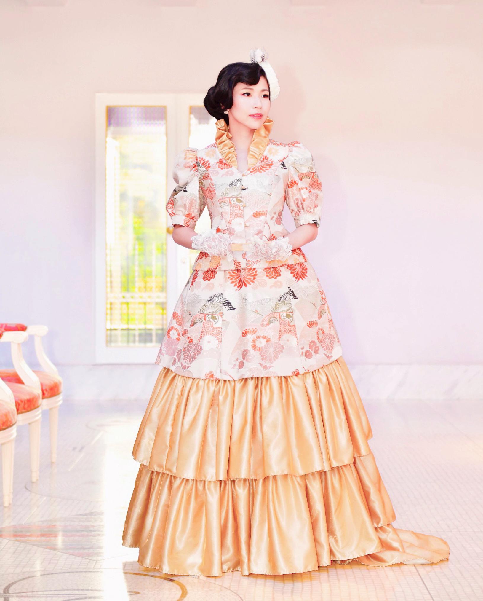 1. モザイクタイルが美しい洋館でドレスを纏う ※