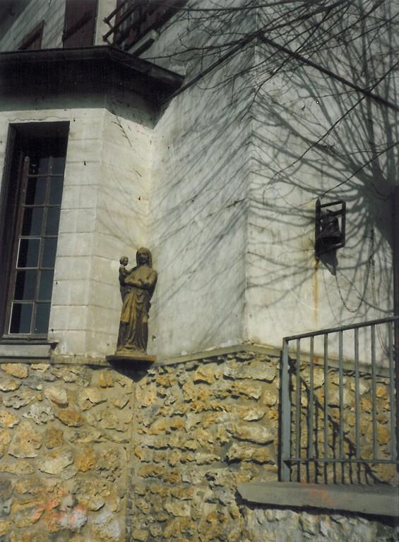 Ecole Notre Dame statue de LA Vierge 1988 - 1989