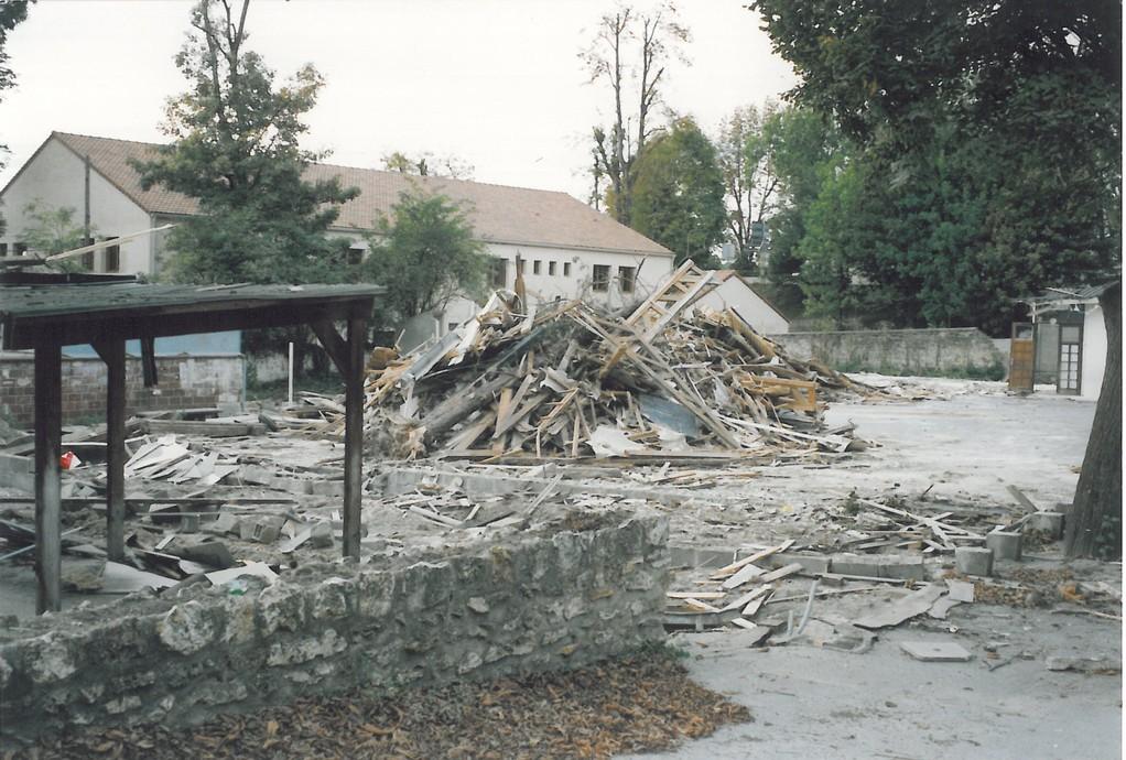 Ecole Notre Dame destruction  3 octobre 1990