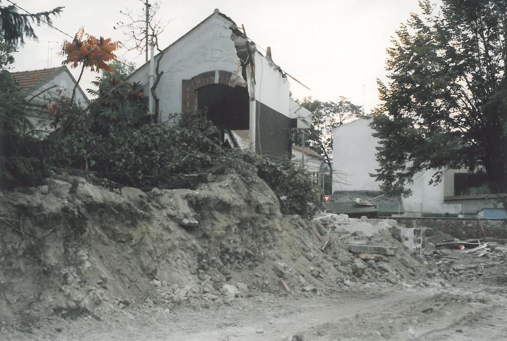Ecole Notre Dame destruction  2 octobre 1990