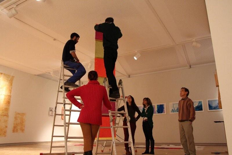 展示に参加したポルト大建築学科の学生たち