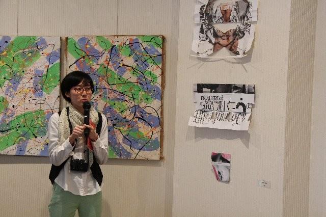 RING ART 前田真希 は広告を切り抜いた作品を発表
