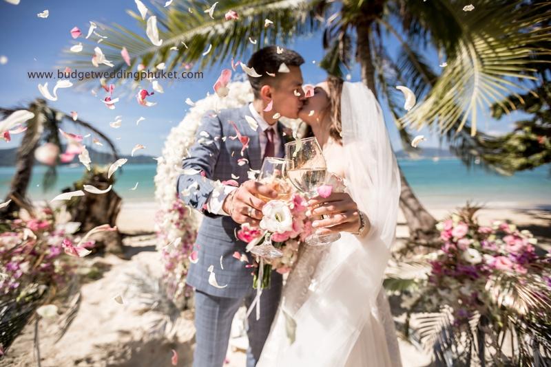 Свадьба на пляжной вилле Пхукет Red Lotus Wedding