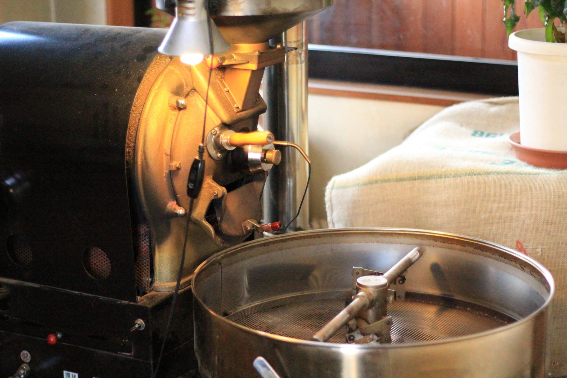 直下窯の焙煎機