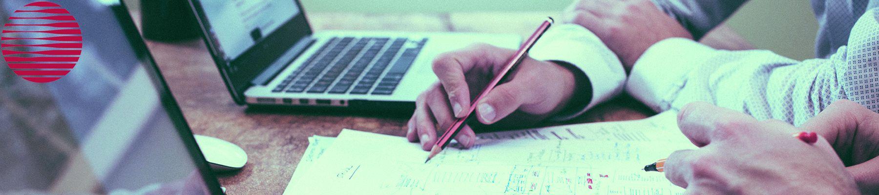 Drucken Sie in Meetings einfach via Smartphone, Tablet oder Laptop. Die Systeme der Bürotechnik Stroh GmbH machen es möglich.