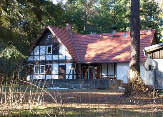 Honeckers Jagdhaus - älteres Foto. --- Ansicht von hinten