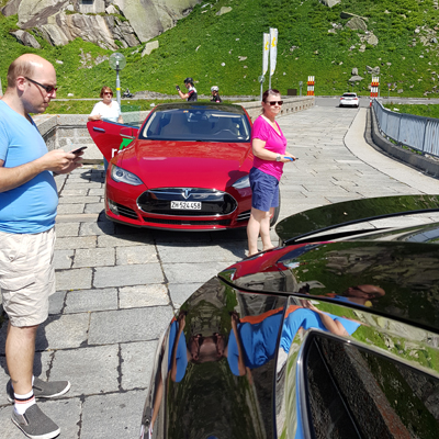 Grimselpass - Tesla S