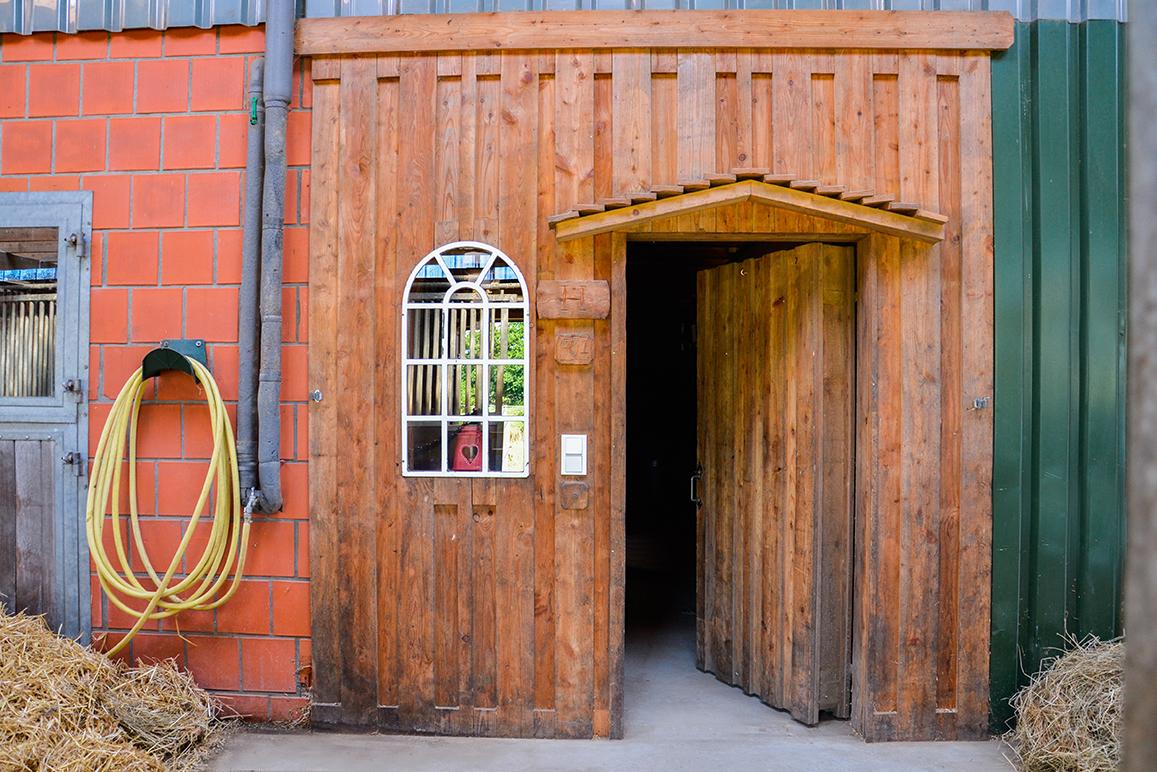 Der Eingang zum gemütlichen Reiterstübchen