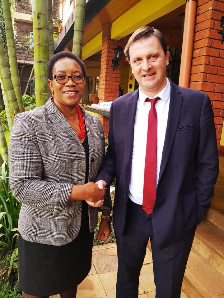Aux côtés de Madame Sicily KARIUKI, Ministre de la Santé kenyane.