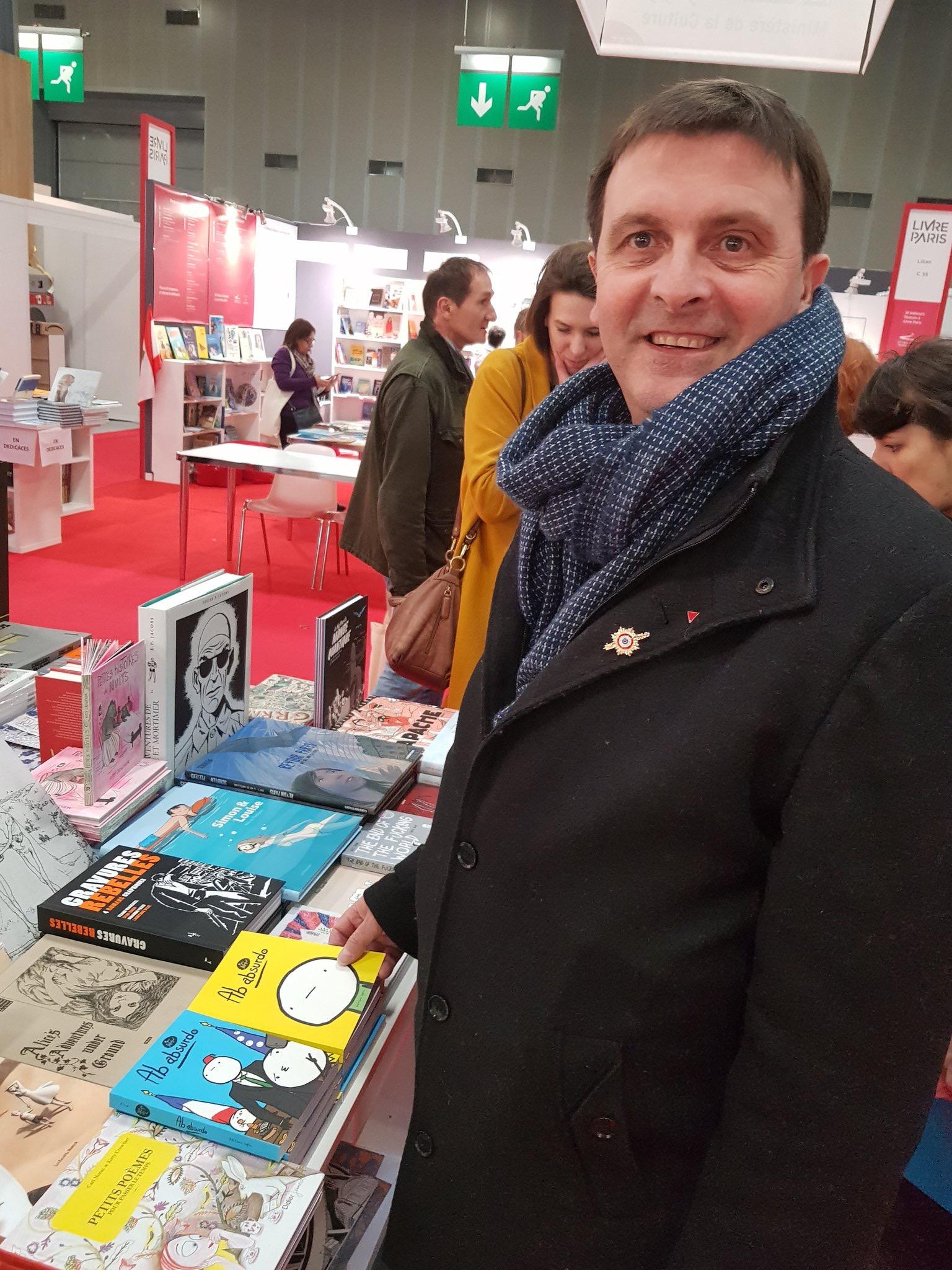 Stands francophones du Québec et de la Belgique. Je suis accompagné, notamment, de Bernard CASSEN, co-animateur du livret francophonie pour la France Insoumise.
