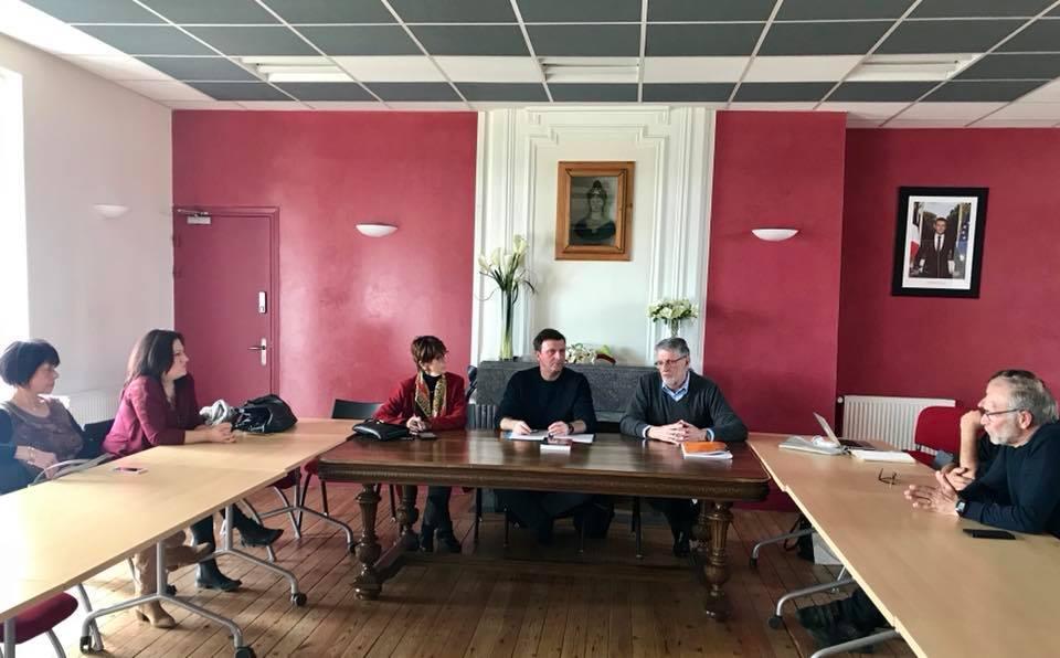 La Tour du Crieu, en compagnie de M. le Maire et une partie du conseil municipal.