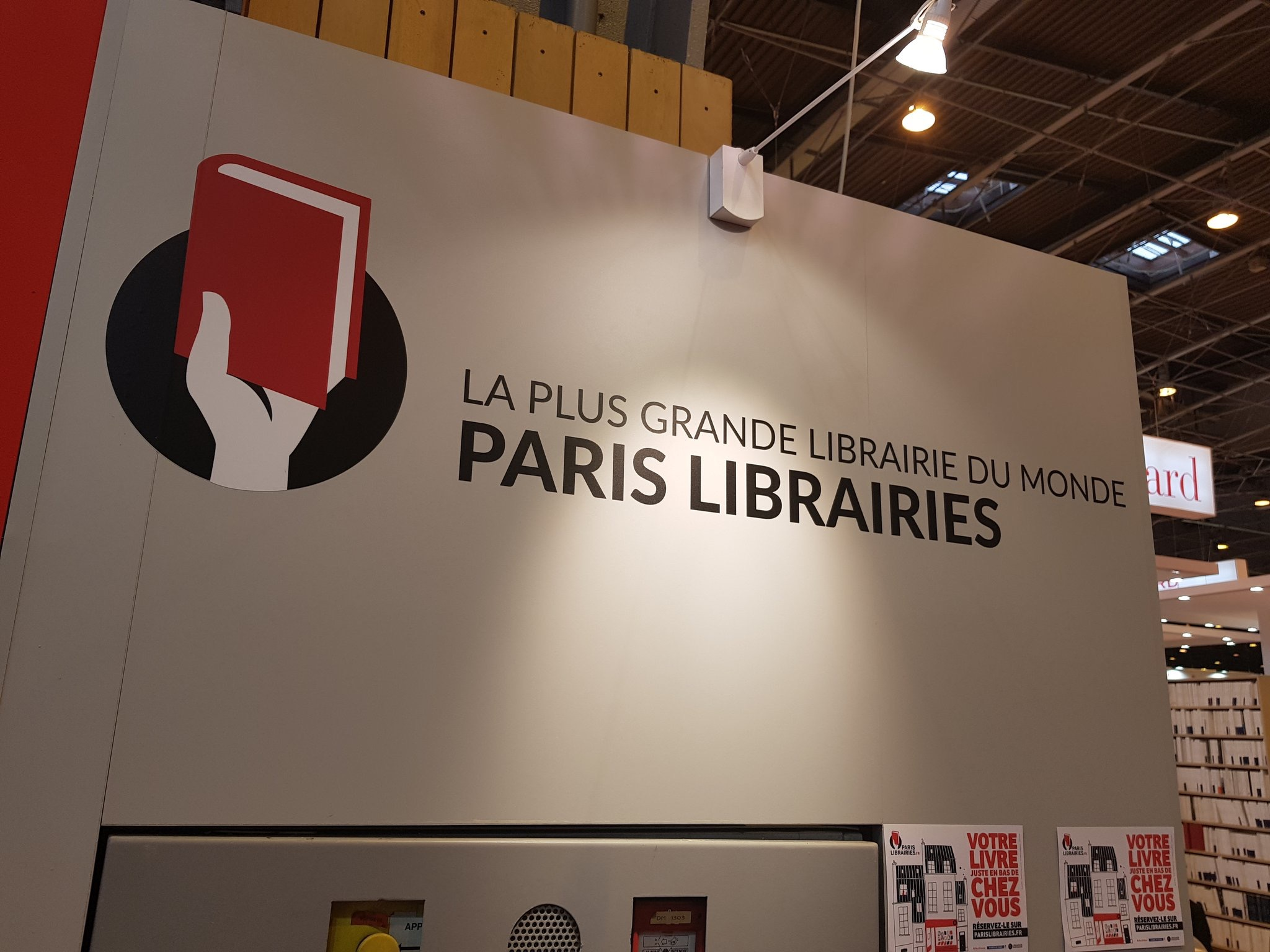 Rencontre avec Paris Librairies. J'y évoque, notamment, la mission de co-rapporteur sur la loi Amazon de 2015.