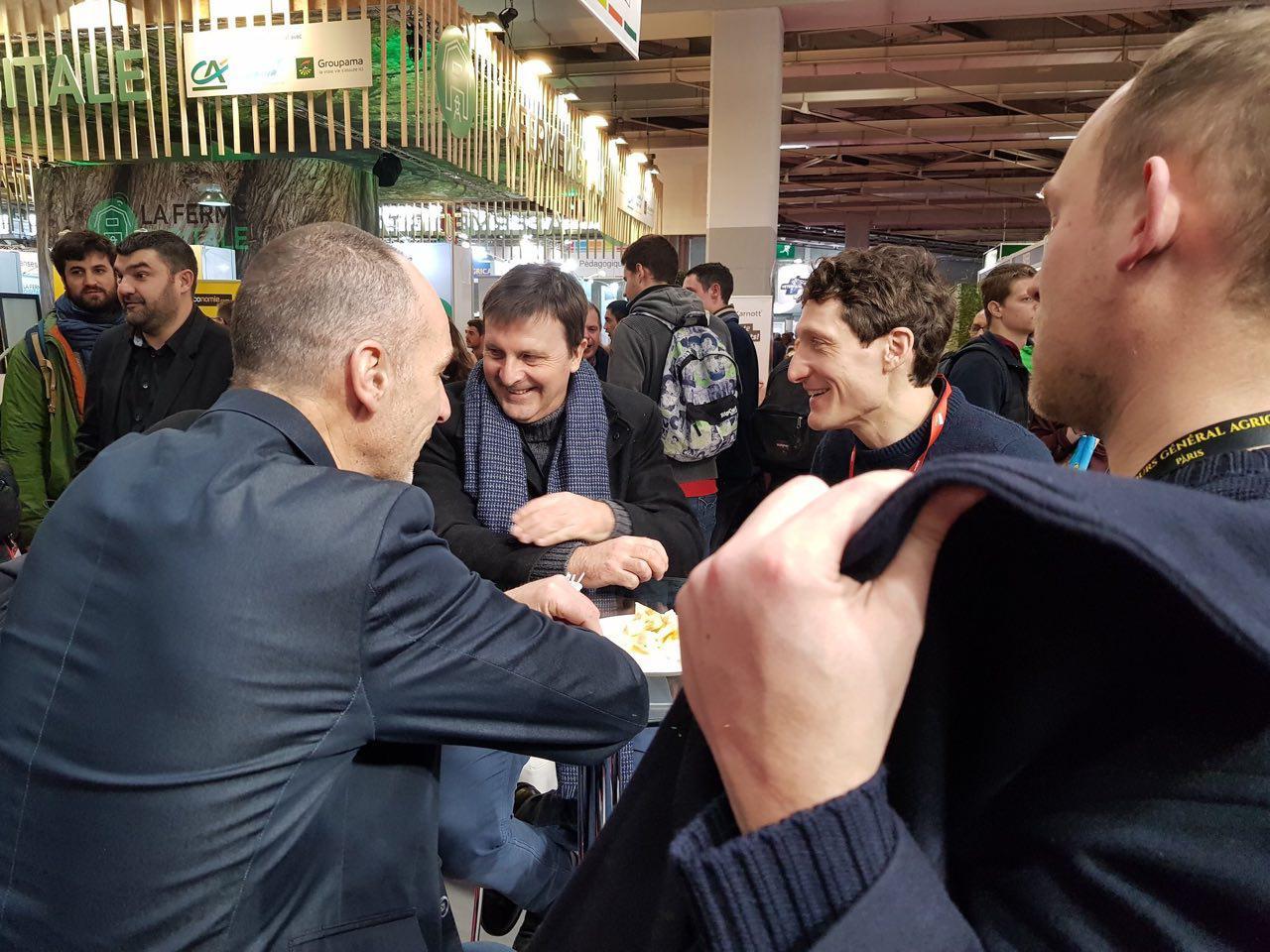 Avec Loïc Prud'Homme au stand des Jeunes Agriculteurs.